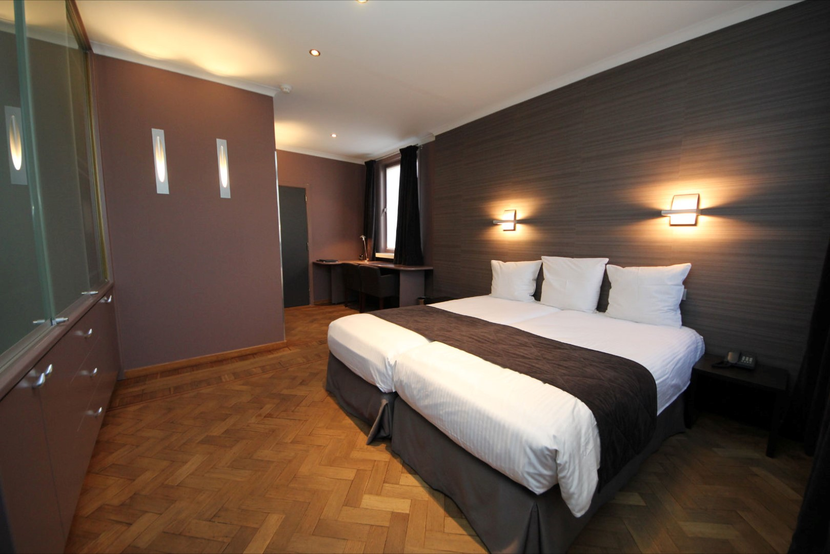 Astoria hotel online booking gent for 20 rooms hotel