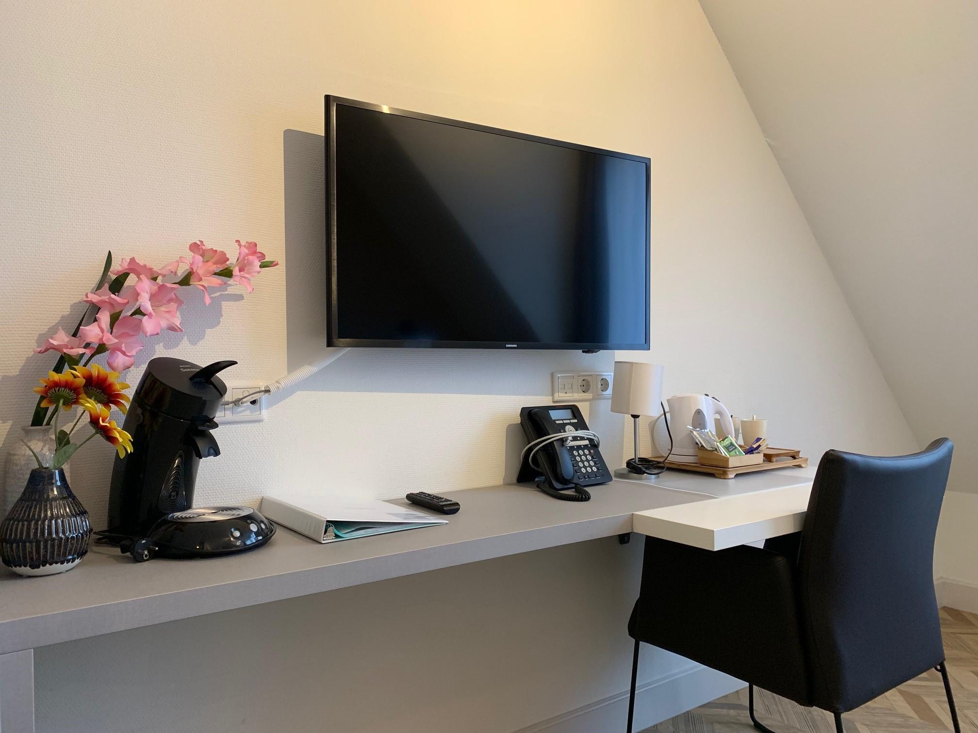 Kleiner Kühlschrank Im Hotelzimmer : Kat. b u2013 standard zimmer hotelzimmer hotel in den brouwery
