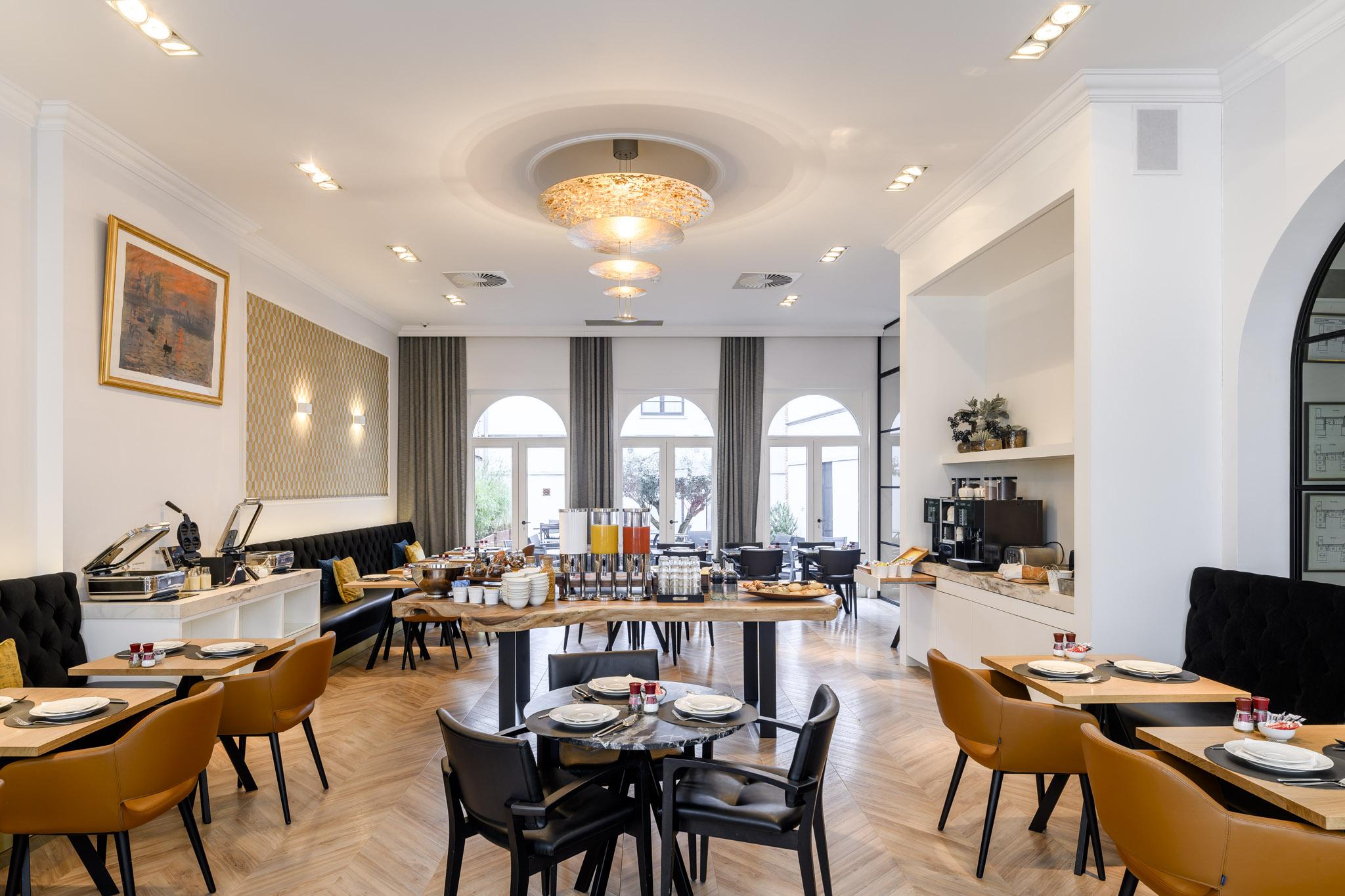 Grote Side Table.Hotel Rubens Grote Markt Antwerpen Oude Beurs29