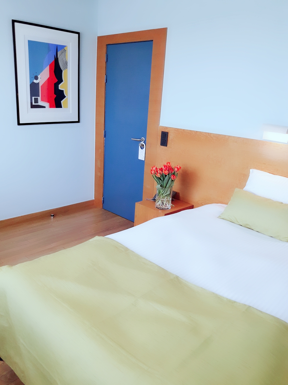 full bed in small room tight space hotel 322 lambermont small room with shower single use only rooms hotel lambermont