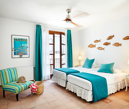 Budget twin room (El Mar)